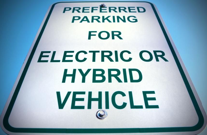 Samochody elektryczne i hybrydy – przegląd modeli