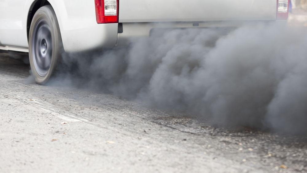 Używane diesle zalewają Polskę i pogłębiają problem ze smogiem